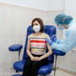 Coronavirus: Maia Sandu s-a vaccinat public cu AstraZeneca pentru a-i încuraja pe cei care au îndoieli