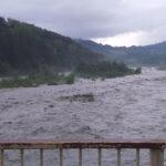 COD ROȘU. Mai multe localități din județele Bacău și Vrancea, sub avertizare de fenomene meteo periculoase