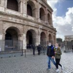 Propunerea autorităților din Italia: Certificat verde obligatoriu pentru acces în locuri aglomerate, inclusiv transport public