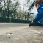 """Măsura luată împotriva femeii care și-a abandonat copilul pe o stradă din Galați pentru că """"nu o asculta"""""""