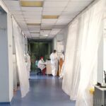 Record de decese Covid în Bihor pentru valul IV: 13 pacienți au murit în ultima zi, când au fost descoperite încă 426 noi infectări